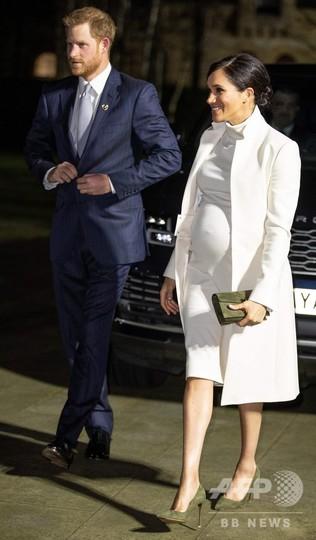 メーガン妃のNYでの出産前パーティー、英各紙が「ぜいたく」と批判