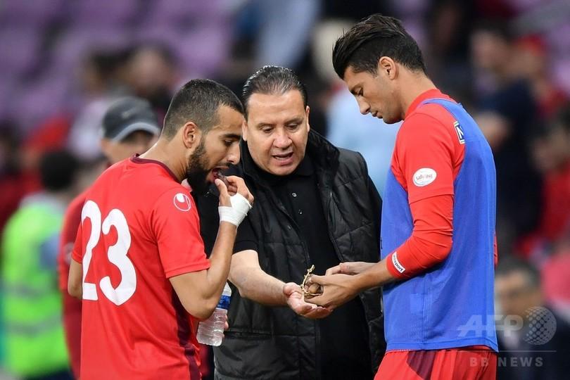 チュニジア監督がGKに「けが」指示、ラマダン中のチームメートのため