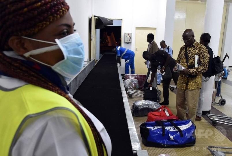 米政府、エボラ流行国からの入国を5空港に制限