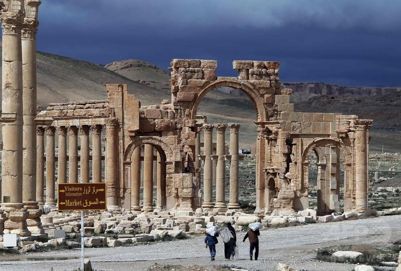 シリアのパルミラ、政権側がISから奪還の構え 付近に部隊迫る