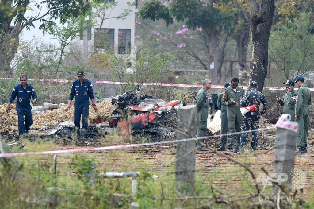 インド空軍機2機が空中衝突、パイロット1人死亡 アクロバット飛行のリハーサル中