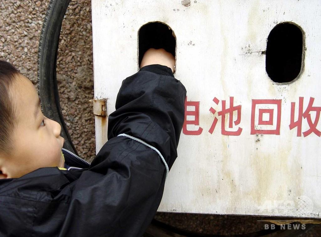 中国で使用済み電池の回収進まず 多くは非合法の闇市場に