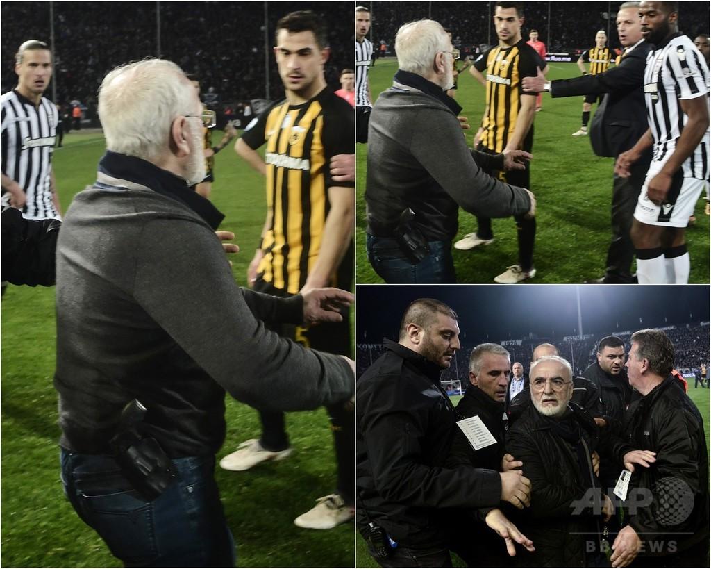 ギリシャ1部リーグが無期限延期に、銃携帯のクラブ会長乱入で
