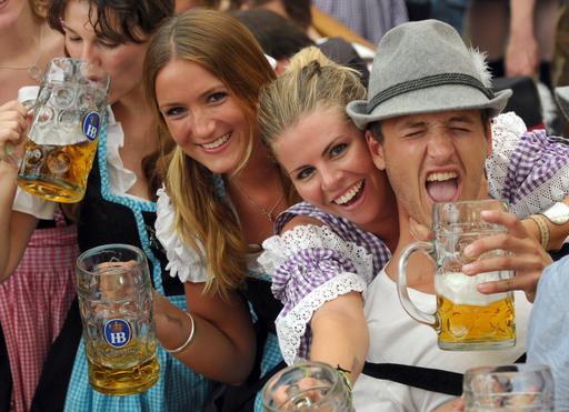 世界最大のビールの祭典「オクトーバーフェスト」開幕