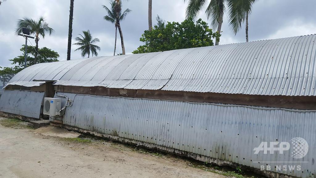 パプア首相、豪に難民認定希望者の再定住期限求める 施設では自殺未遂頻発