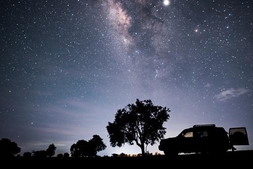 銀河系、100億年前に別の銀河を「丸のみ」 論文