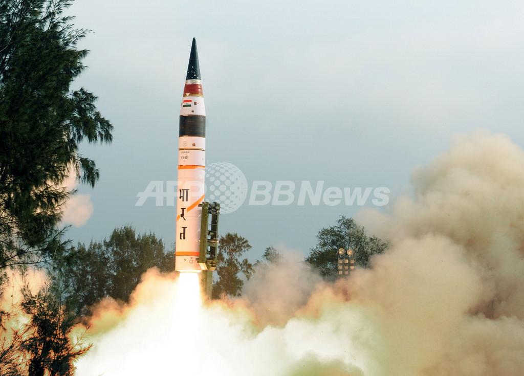 インドが長距離ミサイル「アグニ5」の発射実験に成功