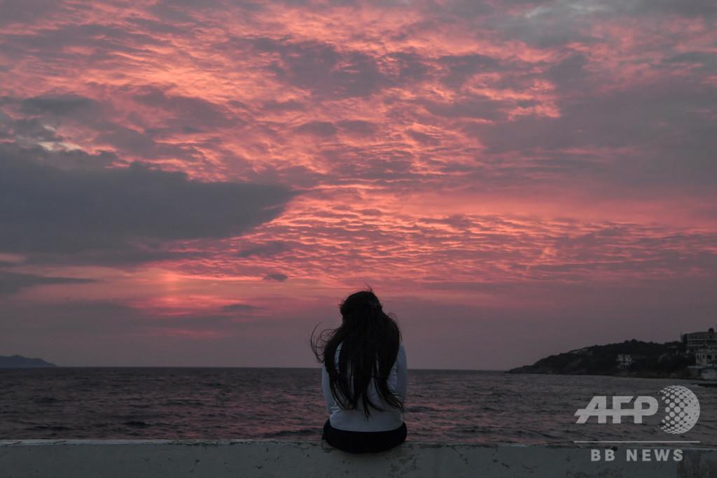 【記者コラム】当てのない日々──ギリシャの島に漂着する人々
