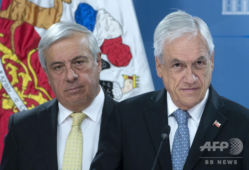 チリ保健相が辞任、新型コロナ感染拡大と死者数報告めぐり