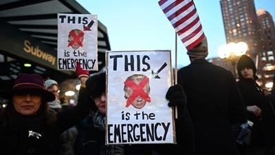 動画:トランプ大統領の非常事態宣言に対し米各地で抗議デモ