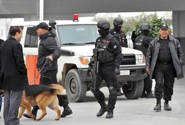 チュニジア博物館襲撃 「警備に不手際」 大統領が認める