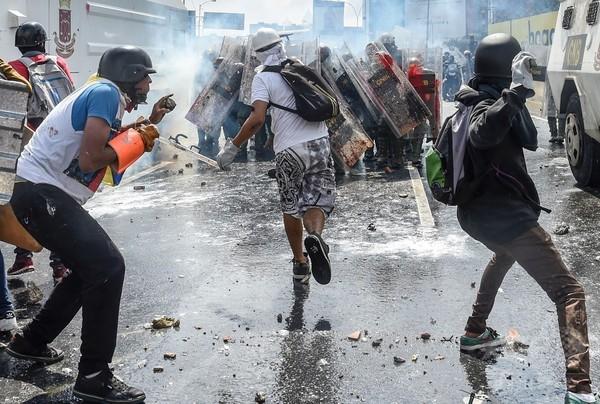 独創的になるベネズエラ反政府デモ