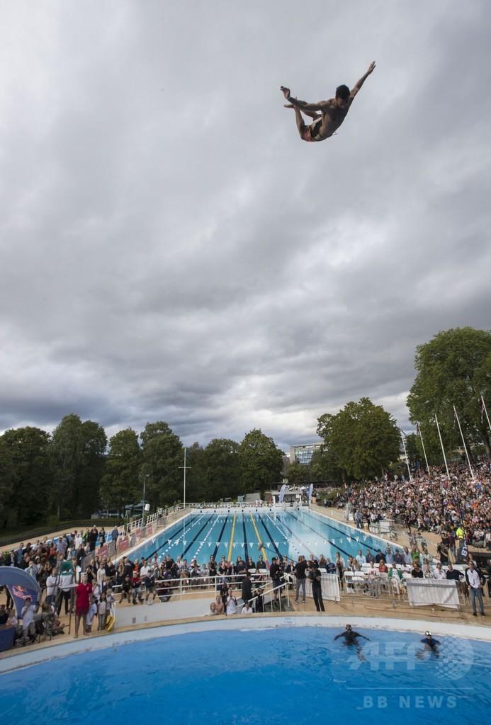 ノルウェーで「腹打ち飛び込み世界大会」