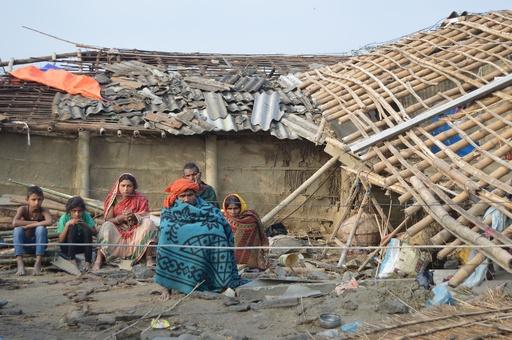 ネパール南部の暴風雨 死者27人、負傷者600人超に
