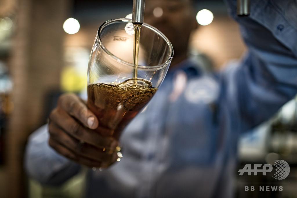 飲酒に「ここまでなら大丈夫」はない、予防効果はリスクで相殺 研究