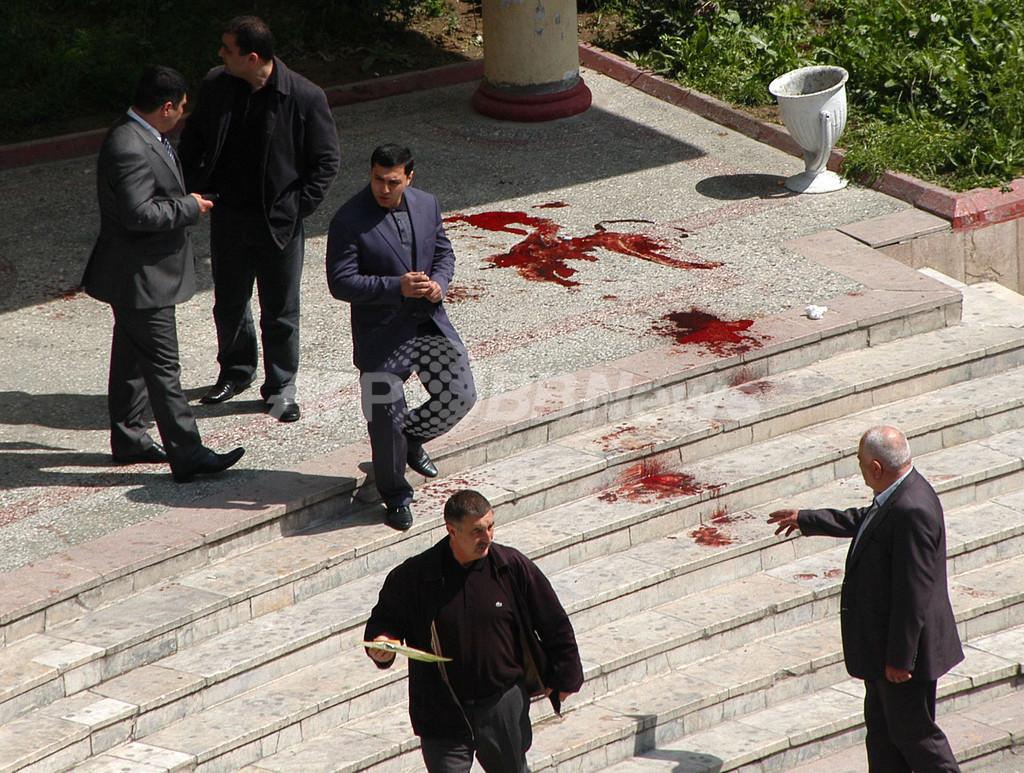 アゼルバイジャンの大学で銃乱射、13人死亡