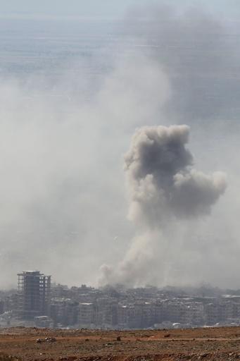 シリア、空爆後の東グータで市民が呼吸困難 「毒ガス」使用か