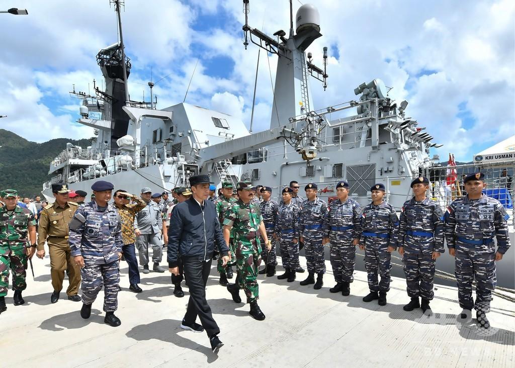 インドネシア、南シナ海付近に軍艦と戦闘機配備 中国漁船の違法操業受け