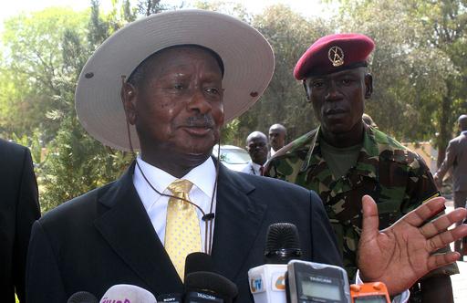 ウガンダ大統領、反同性愛法案に署名へ