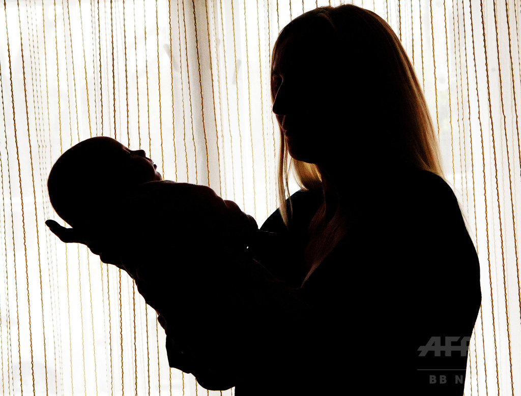 ネットで売買される母乳、汚染の可能性を研究者が指摘
