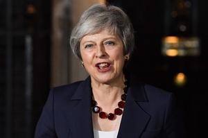 英内閣、EU離脱案を承認 5時間超の協議の末