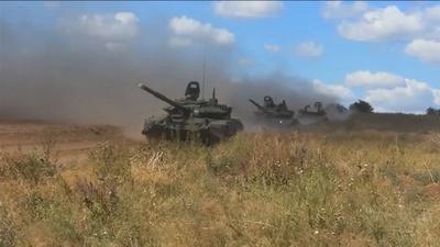 動画:ロシア、「同国史上最大」の軍事演習を開始 中国軍も参加