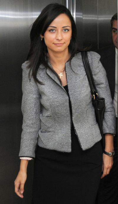 グルジアの美人大臣、セクシー写真がスキャンダルに