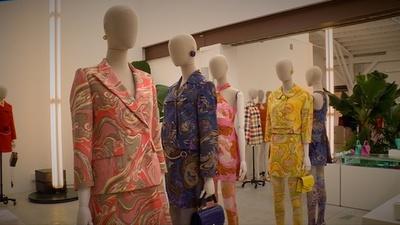動画:60年代を再訪、「マルベリー」19年春夏コレクション