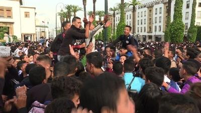 動画:サマータイムのせいで登校が夜明け前に、モロッコで生徒らが抗議デモ