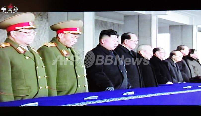 平壌で金正日総書記の追悼大会、金正恩氏は「最高指導者」