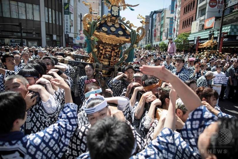 浅草三社祭が最高潮、下町に熱気 東京