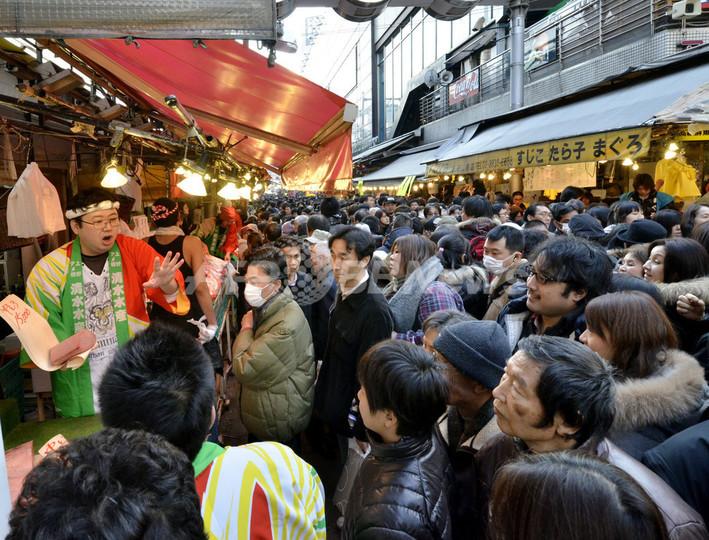 正月直前、大盛況の上野アメ横
