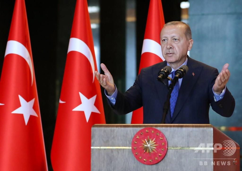 トルコ通貨安、一服も反発の兆しなし 大統領は米を再度批判