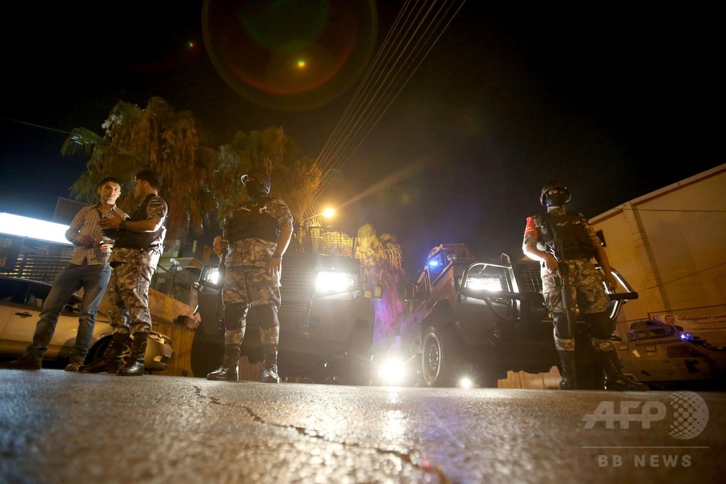 在ヨルダン・イスラエル大使館で発砲、3人死傷