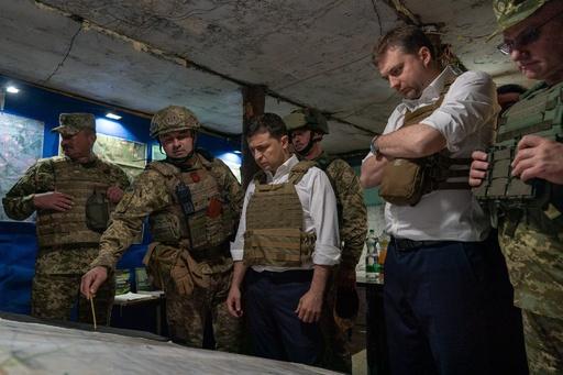 ウクライナ政府軍と独立派、東部要衝から撤退開始 ロとの首脳会談へ前進