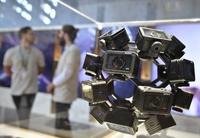 IFA17、「透明テレビ」から赤ちゃん監視用VR眼鏡まで 最先端製品ずらり ドイツ