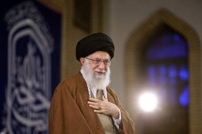 「トランプ氏は米の威信失墜させた」イラン最高指導者、新たな制裁に反発