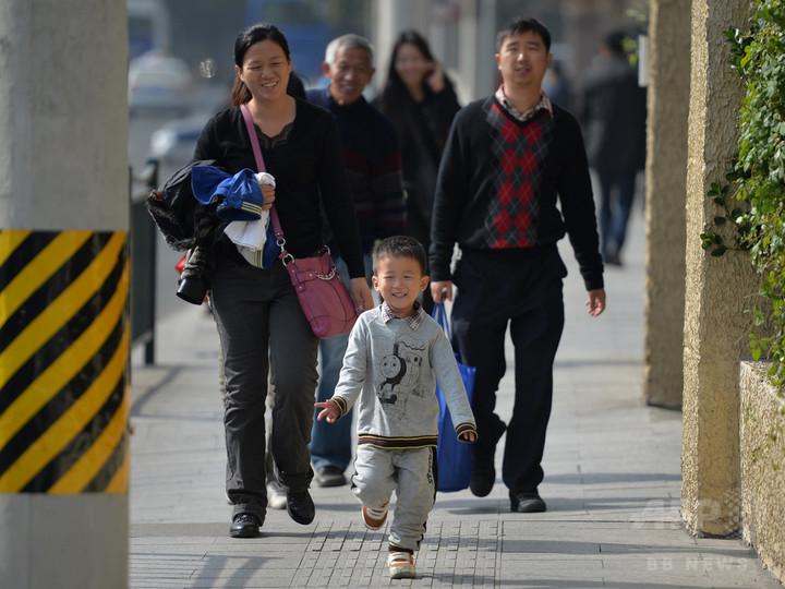 中国の人口、20年までに約14億2000万人に 政府見通し