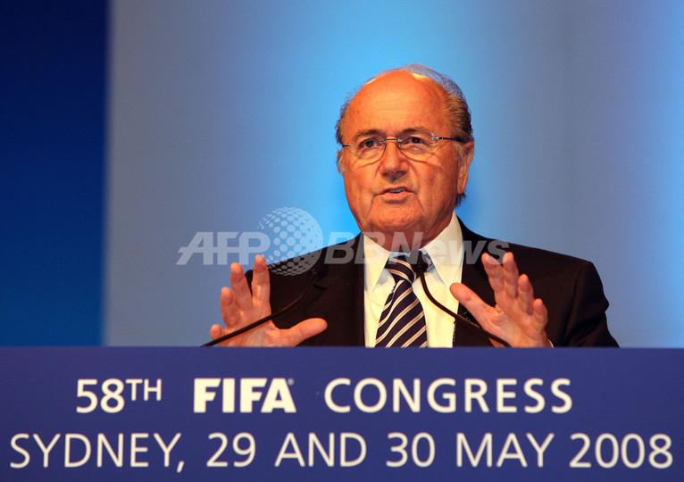 FIFA 総会で6+5ルールの導入を採択