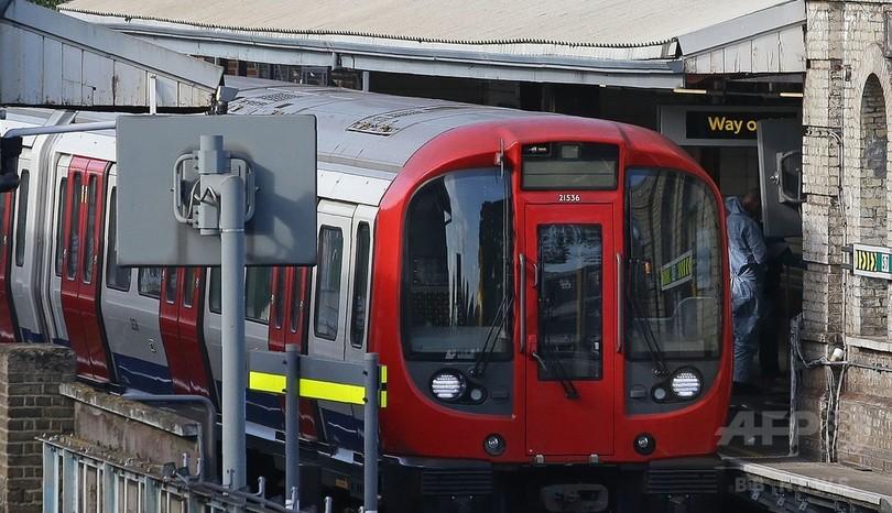 英地下鉄爆発で2人目逮捕、21歳の男