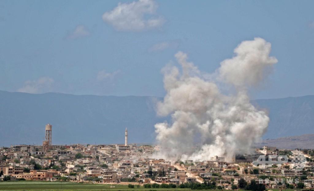 シリア北西部、1週間で15万人超が避難 政権側が攻勢強化