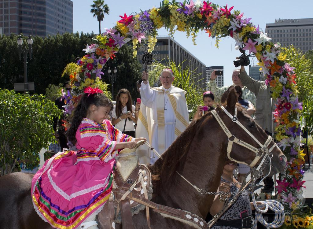 復活祭前日、動物祝福する伝統行事 米ロサンゼルス 写真7枚 国際 ...