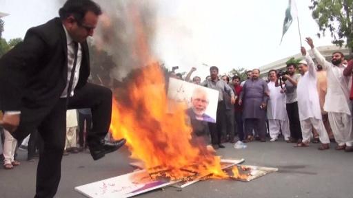 動画:印政府のカシミール自治権剥奪、印パ対立激化や反乱の懸念