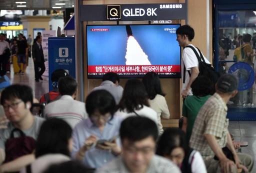 北朝鮮ミサイル2発目は「新型」、690キロ飛行 米韓当局が分析