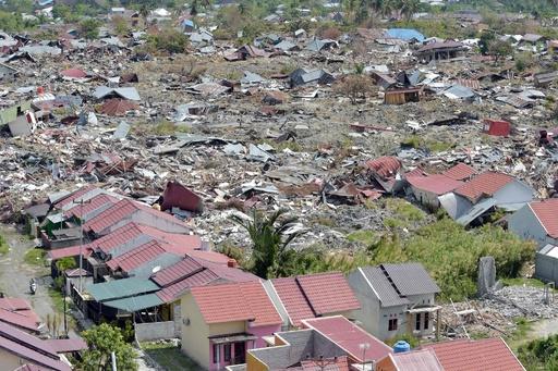 スラウェシ島地震・津波、5000人が行方不明か