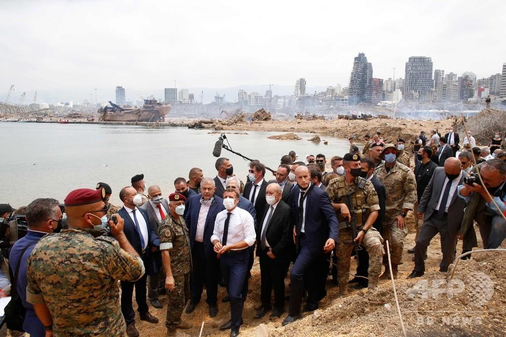 仏大統領、爆発被害のベイルート視察 支援表明し改革要請