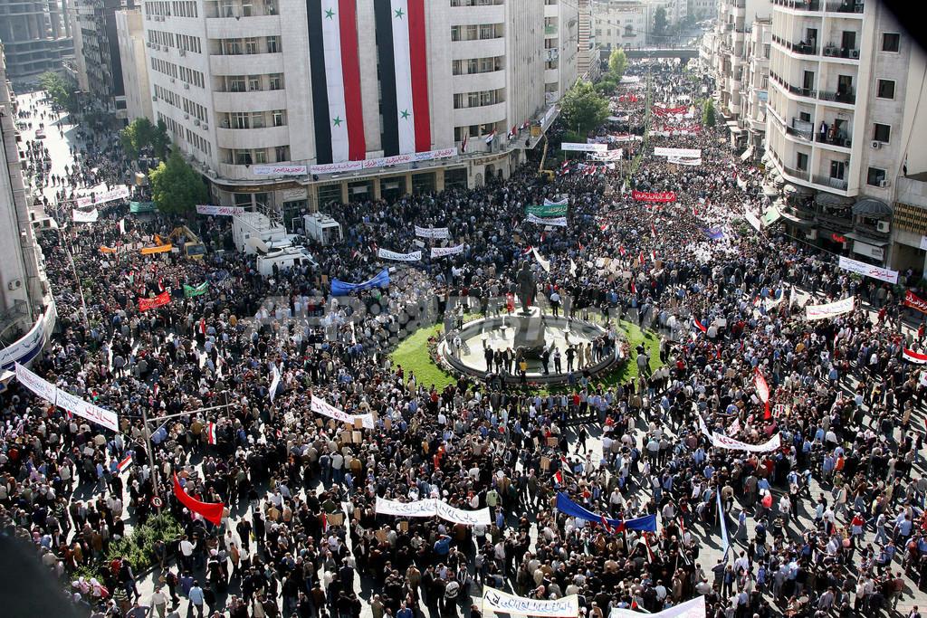 シリアで米軍の越境攻撃に抗議デモ、米大使館が閉館