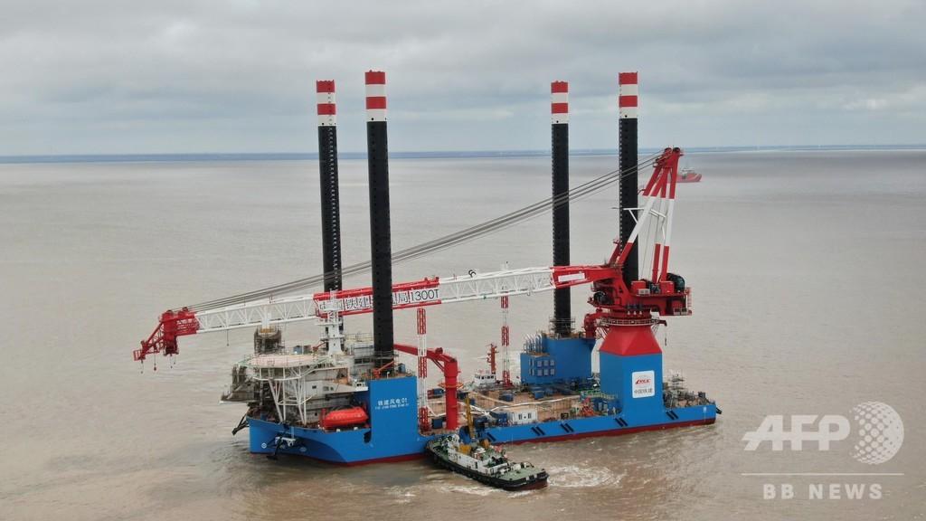 中国初、1300トン級の自走式洋上風車設置船が完成