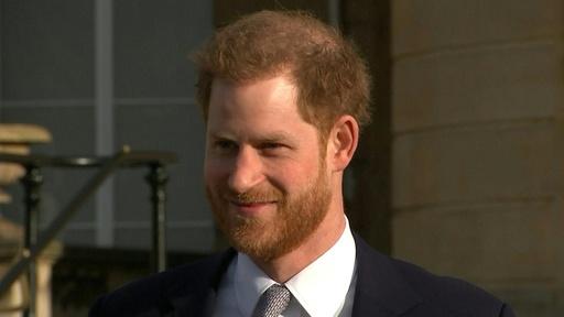 動画:英ヘンリー王子、「引退」表明後初めて公の場に 沈黙貫く