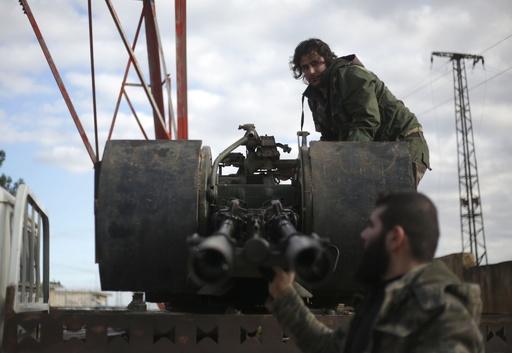 シリア政府軍、クルド部隊支援で北部マンビジに展開 同盟関係に変化
